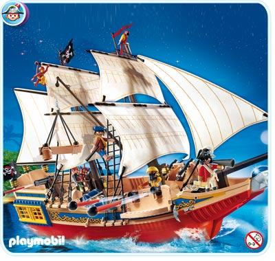 4290 Grand bateau camouflage des pirates